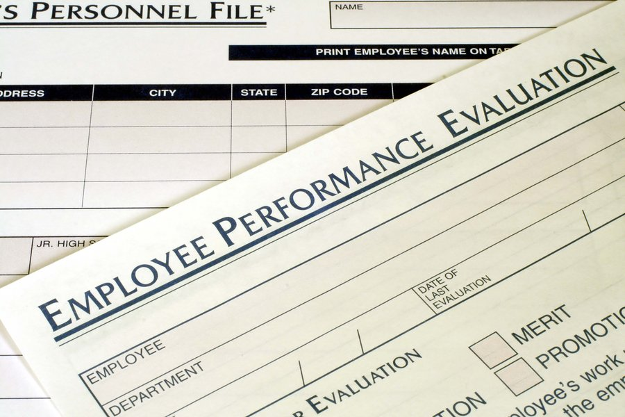 Employers gradually moving toward 'contemporary' approach to employee performance reviews